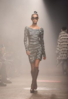 A model walks the runway at the Tracy Reese fashion show during Mercedes-Benz Fashion Week Fall 2015 at ArtBeam on February 15, 2015 in New York City. (Photo by Noam Galai/Getty Images)