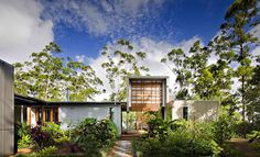 * Residential Architecture: Storrs Road by Tim Stewart Architects Architecture Durable, Architecture Résidentielle, Sustainable Architecture, Brisbane Architecture, Sunshine Coast, Residential Land, Eco Friendly House, Australian Homes, House Built