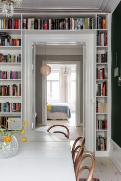 Small Apartment Interior, Apartment Layout, Parisian Apartment, Minimalist Apartment, Modern Architecture House, Interior Architecture, Library Architecture, Architecture Plan, Home Design Plans