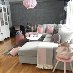 25 Trend Ideas for Living Room Decoration Too sweet! We love pink and gray living rooms The post 25 Trend Ideas for Living Room Decoration appeared first on Wohnaccessoires. Living Room Grey, Living Room Modern, Home Living Room, Living Room Designs, Small Living, Blush Pink Living Room, Living Room Ideas Pink And Grey, Pink Living Rooms, Pink And Grey Room