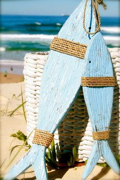 You can enhance the natural beauty of your home with beach house decorating ideas. Coastal Decor like beach art and furniture. Coastal Style, Coastal Decor, Nautical Decor Ideas, Coastal Cottage, Nautical Theme, Deco Marine, Wooden Fish, Beach Signs, Pallet Art