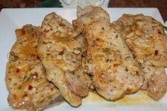 Cotlete de porc cu cimbru si sos de vin Mashed Potatoes, Meat, Chicken, Ethnic Recipes, Pork Cutlet Recipes, Homemade Recipe, Sauces, Easy Recipes, Food