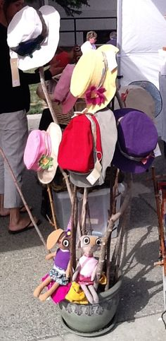 What a fun and easy way to display hats. We may be selling these summer hats handmade by Willow Designs. Hat Display, Craft Show Displays, Store Displays, Display Ideas, Funky Hats, Crazy Hats, Matilda, Hat Storage, Vintage Display