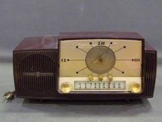 Vintage General Electric Clock Radio