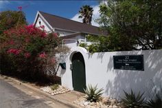 22 van Wijk Street in Franschhoek, great value accommodation on a room-only basis walk from centre of Franschhoek. Family Of Three, Beds, Cape, Bathrooms, Budget, Lounge, Street, Outdoor Decor, Beautiful