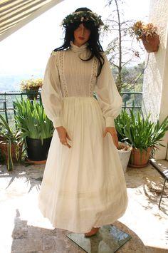 Edwardian cotton vintage Laura Ashley wedding dress. €180.00, via Etsy.