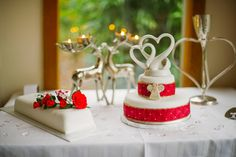 Make your cake a feature at your wedding. This stunning cake highlighted one of our winter weddings :) Beautiful!