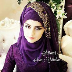 Pin by Asiah on Muslim Bridal Hijab(Niqab)Bridesmaids . Wedding Hijab Styles, Hijab Wedding Dresses, Pakistani Wedding Outfits, Beautiful Muslim Women, Beautiful Hijab, Hijab Trends, Hijab Ideas, Hijab Style Tutorial, Hijab Niqab