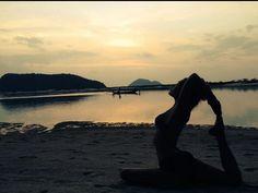 #ungoutdavance, #yoga, #thailande, #kohphangan, #flashback, #rajakapotasana