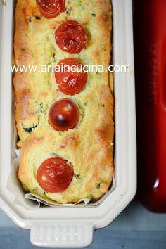 Plumcake salato con feta e olive nere al basilico