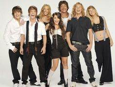 Uploaded by Caroline Garcia. Find images and videos about argentina, casi angeles and teen angels on We Heart It - the app to get lost in what you love. Black Jeans, Teen, Celebrities, People, Pants, Style, Amazing Places, Fashion, Brunettes