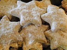 kudy-kam...: Podvodnice Sugar Beads, Chocolate Caramels, Dried Fruit, Baking Sheet, Pizza Dough, Bread Crumbs, Pistachio, Quick Easy Meals, Christmas Cookies