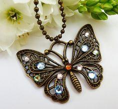 Bronzefarbene Halskette mit Schmetterling mit von Schmucktruhe, €18.50