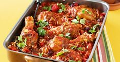 One-pan Mexican chicken Gather your amigos - with this one-pan dish it's easy to enjoy a midweek meal Mexican feast! Mexican Chicken Recipes, Chicken Thigh Recipes, Best Chicken Recipes, Mexican Dishes, Mexican Food Recipes, Mexican Spice, Mexican Shrimp, Vegetarian Mexican, Mexican Meals
