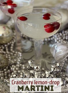 Cranberry Lemon Drop Martini Make this delicious cranberry-lemon martini for your guests this holiday season. Winter Cocktails, Christmas Cocktails, Holiday Cocktails, Lemon Cocktails, Thanksgiving Cocktails, Party Drinks, Fun Drinks, Yummy Drinks, Alcoholic Drinks