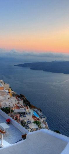 Sit back & enjoy the #Grecian landscape.