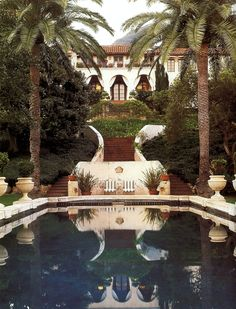 Hollywood glamour of a bygone era lives on at La Quinta, the one-time villa of Diandra and Michael Douglas in Montecito, California. Photo by Lisa Romerein. Spanish Style Homes, Spanish Revival, Spanish House, Spanish Colonial, Spanish Design, Exterior Design, Interior And Exterior, Design Rustique, My Pool