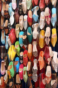 Marrakech Souk, Shabi Chic, Deco Restaurant, Indian Shoes, Ultimate Travel, Pretty Shoes, Travel Photos, Trip Advisor, Morocco