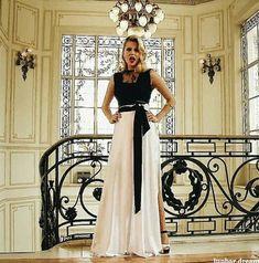 Muito diva 😍❤️ Disney Channel, Ambre Smith, Fashion Tv, Womens Fashion, Celebrity Stars, Son Luna, Disney Films, Actresses, Formal Dresses