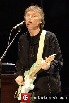 Steve Winwood and Eric Clapton perform live in concert at Madison Square Garden - Pictures) Steve Winwood, Blue Soul, Spencer Davis, Progressive Rock, Rhythm And Blues, Blues Rock, Eric Clapton, Led Zeppelin, Music Artists