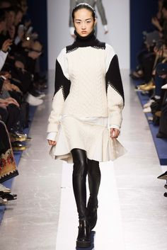 Sacai Fall 2015 Ready-to-Wear - Collection - Gallery - Style.com  http://www.style.com/slideshows/fashion-shows/fall-2015-ready-to-wear/sacai/collection/31