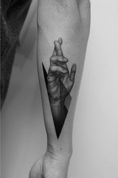 Dotwork hand by Pawel Indulski