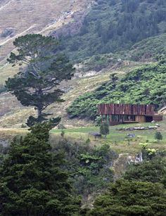 Coromandel corrugated iron home breaks with convention - Inside Home, Bunker, Rustic Interiors, Architects, Tiny House, Buildings, Design Ideas, Iron, House Design
