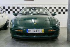 1995 Lotus, Elan  22500.00 EUR  O Elan foi lançado em Agosto de 1989. Foi concebido pela Lotus, com um motor fiável fornecido pela Isuzu e construído com o desenvolvimento e os recursos da General Motors. Cerca de35 milhões de libras foram investidos no seu desenvolvimento, mais do que emqualquer outro carro na história de Lotus. O design, apresentando um corpo composto de fibra de vidro sobre um chassi  ..  http://www.collectioncar.com/detailed.php?ad=61336&category_id=1
