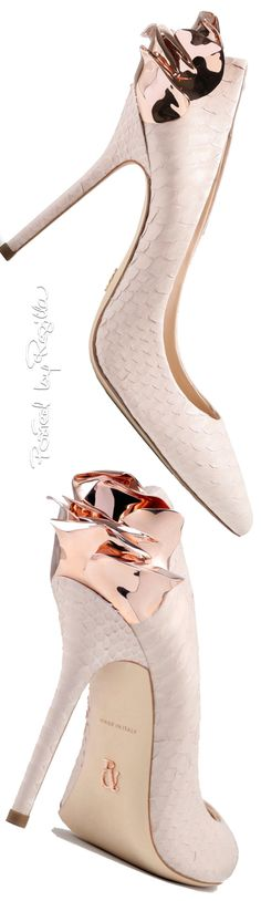 Regilla ⚜ Una Fiorentina in California Stilettos, Pumps Heels, Shoes Sandals, High Heels, Pretty Shoes, Beautiful Shoes, Luxury Girl, Ralph And Russo, Shopping