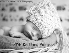 knitting pattern for chunky newborn baby jester hat by PompomsRock