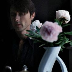 See you in the next life Celebrities With Cats, Brett Anderson, Britpop, 90s Kids, Darts, Butler, My Eyes, Art Ideas, Handsome