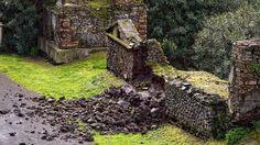 Pompeya, Italia. Mi elección se debe a que es el mayor exponente de la opulencia de la Roma imperial. Hay vestigios impresionantes como fantásticas pinturas o mosaicos. Sufre un estado de abandono con derrumbes incluidos. Se han empezado a tomar medidas, pero ¿conseguiran frenar este deterioro? Ver video: http://www.rtve.es/drmn/embed/video/2191947 Noticia: http://www.elperiodico.com/es/noticias/ocio-y-cultura/restauracion-ruinas-arqueologicas-pompeya-italia-3158134