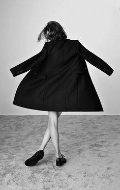 Black Coat by Zara Mode Chic, Mode Style, Style Me, Mode Zara, Zara Looks, Mode Lookbook, Fashion Gone Rouge, Mode Blog, Mode Editorials