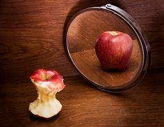 Una recente ricerca italiana mostra come la Terapia Cognitivo Comportamentale sia efficace anche nei casi di anoressia grave e persistente.    Gli studi sull'anoressia nervosa (AN) hanno dimostrato che la lunga durata del disturbo prima del trattamento è un fattore prognostico sfavorevole. Questo è il motivo per cui le compagnie di assicurazione americane