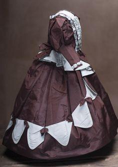"Antique Silk Taffeta dress for French Fashion doll about 16-17"" (40-43 cm)"