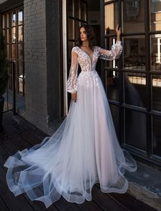Wedding Dress Trends to Inspire Your - . - Bridal Gowns - Wedding Dress Trends to Inspire Your – … - Wedding Dress Trends, Best Wedding Dresses, Wedding Wear, Boho Wedding, Bridal Dresses, Tulle Wedding, Amazing Wedding Dress, Dresses Dresses, Beach Dresses
