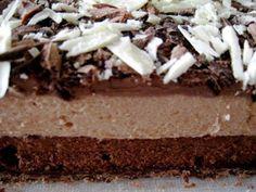 Recette Dessert : Mousse pralinée et chocolat sur feuilleté croquant praliné par L'ATELIER CULINAIRE et Vous