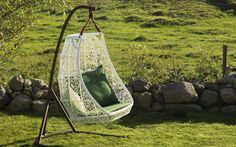 Kettal Maia Egg Swing Chair designed by Patricia Urquiola. Egg Swing Chair, Hanging Hammock Chair, Hanging Chair From Ceiling, Swinging Chair, Swing Chairs, Hanging Chairs, Outdoor Chairs, Patricia Urquiola, Pink Desk Chair