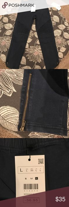 Brand new with tags motto skinny jeans! These are brand new, absolutely perfect condition. They are too small for me. They are a large, but they honestly appear to be more like a size small. The color is midnight blue. Pants Skinny