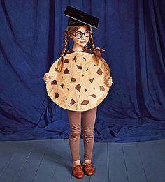 Cookie Costume -- Punny Halloween Costume Your kids will love this funny, punny costume. Get instructions to make this graduation-ready cookie.Your kids will love this funny, punny costume. Get instructions to make this graduation-ready cookie. Pun Costumes, Punny Halloween Costumes, Clever Costumes, Cute Halloween Costumes, Halloween Kostüm, Costume Ideas, Play On Words Costumes, Terrifying Halloween, Woman Costumes