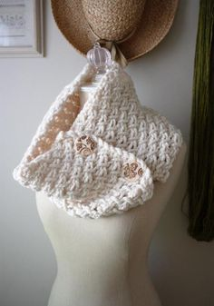 Phydeaux Twist Cowl Knitting Pattern by phydeaux » This is just lovely!