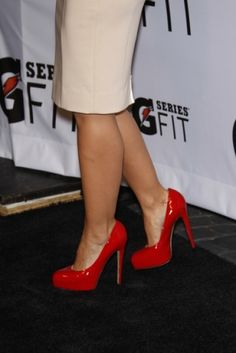 Red high heels, just like the one I have and absolutely adore... <3