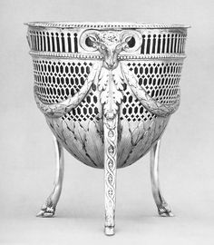 Sugar bowl made in Sheffield 1775| The Met