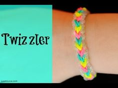 How to Make the Rainbow Loom Twizzler Bracelet (+playlist) Loom Band Bracelets, Rubber Band Bracelet, Loom Bands, Rainbow Loom Patterns, Rainbow Loom Creations, Rainbow Loom Charms, Rainbow Loom Bracelets, Rubber Band Crafts, Rubber Bands