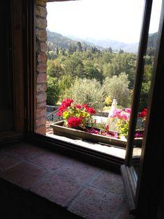 Una ventana a la felicidad de la #Toscana. Despertarse con estas vistas: gratis :)