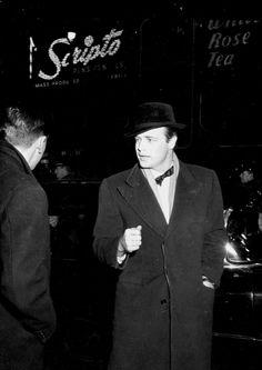 Marlon Brando 1950's #Brando #candid