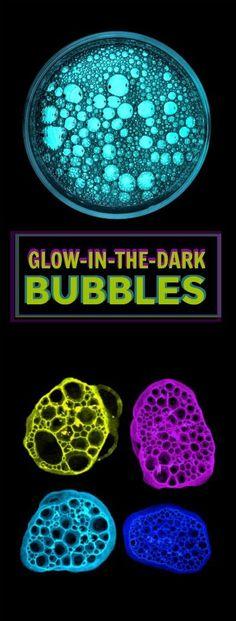 FUN KID PROJECT: Make bubbles that glow-in-the-dark! SO COOL! #glowinthedark #bubblerecipe #glowingbubbles #playrecipeforkids