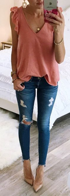 #summer #outfits Pink Ruffle Tank Ripped Skinny Jeans Nude Pumps