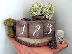 Boda mesa números rústico tabla números de por CypressandWhim