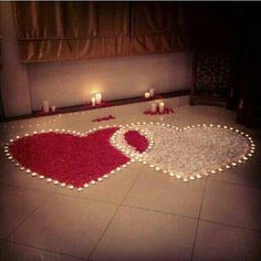 Inspiring Romantic Room Surprise For Him with Rose Petals Romantic Room Surprise, Romantic Night, Romantic Dinners, Romantic Gifts, Romantic Ideas, Romantic Candles, Romantic Things, Romantic Dates, Anniversary Decorations